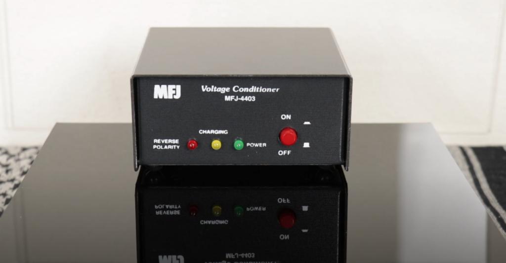 MFJ-4403 Voltage Conditioner